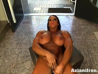 Aziani Iron Amber Deluca Amazon Bodybuilder with Huge Clit