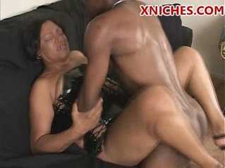 ebony milf wnats big dick